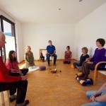 Gemeinsam in der Gruppe meditieren